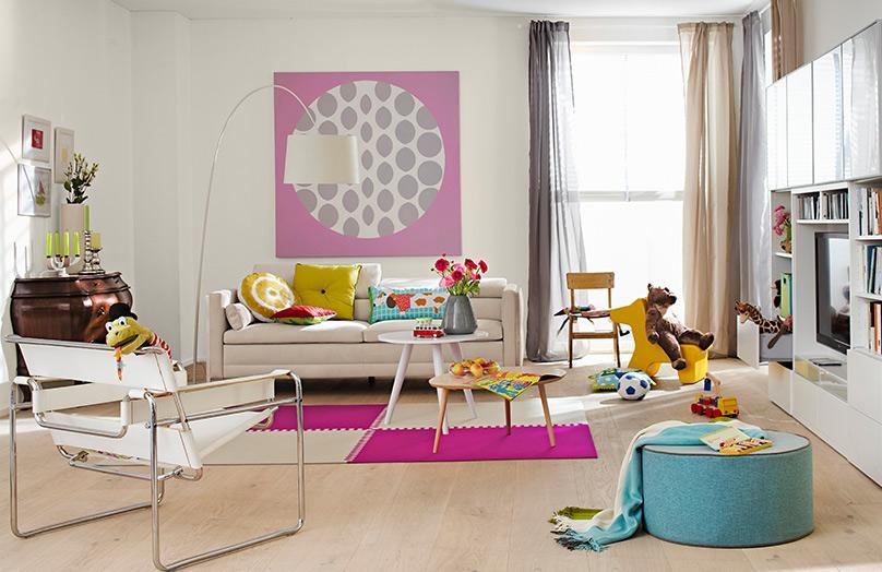 Dítě v obývacím pokoji: bezpečně a stylově
