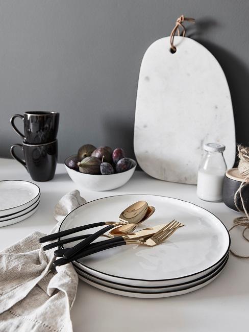 Elegante set da tavola in stile scandinavo