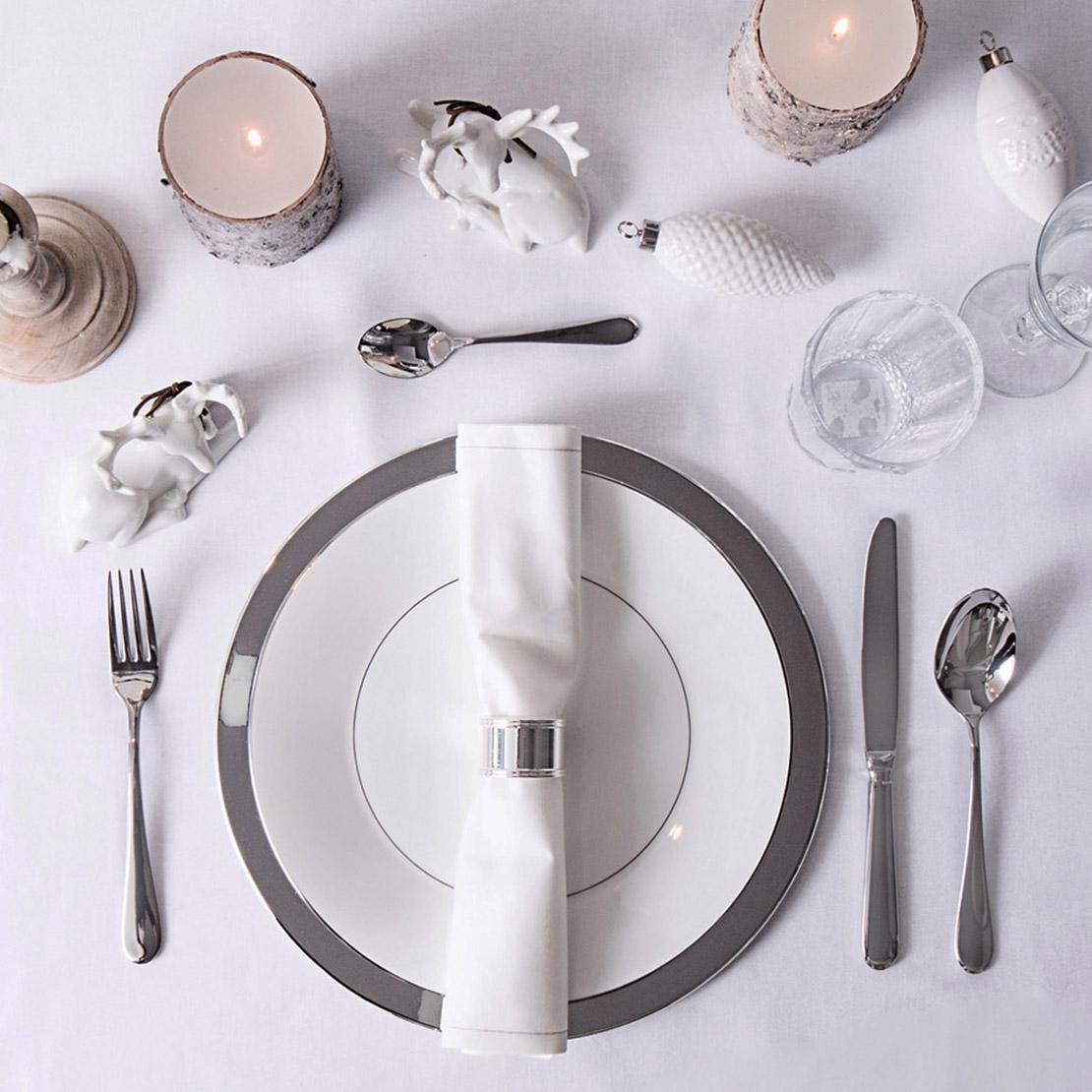 Decoración de mesas para fiestas en plata
