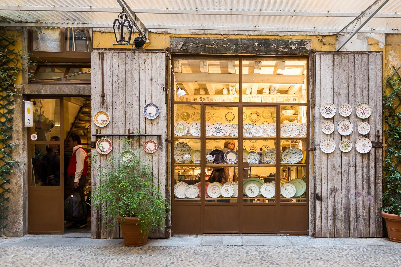 Brand che Dalani conosce molto bene, Segno Italiano sta attuando un importante progetto di re-branding. Il suo nuovo nome, Eligo, racconta l'attualità di un progetto dal respiro più internazionale e accattivante.