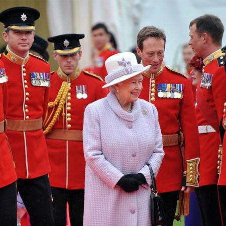Regina Elisabetta II: 90 anni di stile