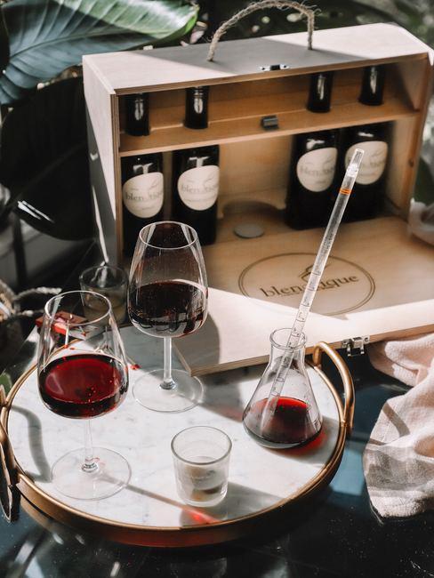 Cómo decorar con cajas de vino tinto