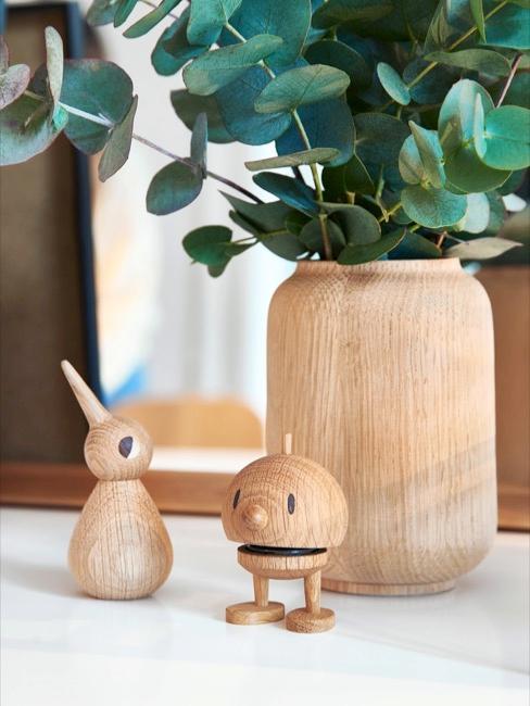 Petites figurines en bois