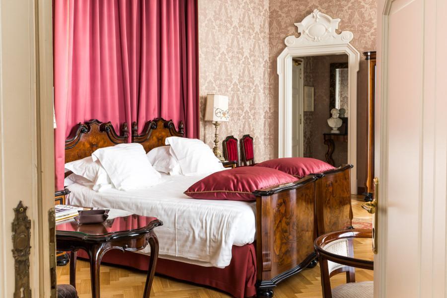 La suite Verdi, la più famosa, è caratterizzata da un raffinato stile retrò.