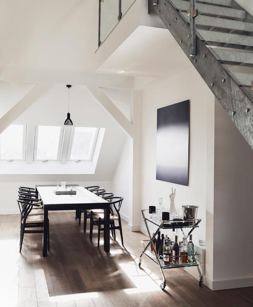 Luxus Wohnzimmer Dachschräge Treppe Essbereich
