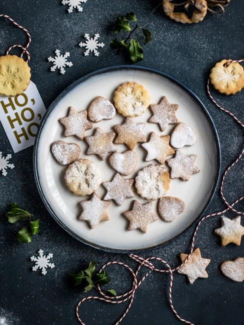 Herbatniki świąteczne z klasycznego ciasta kruchego