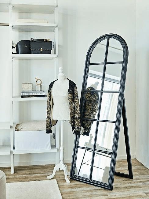 Specchio da terra in cabina armadio