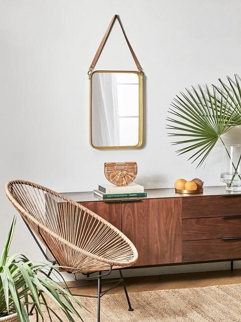 Kolonialstil Sideboard mit Deko, Pflanze und Spiegel und Acapulco Stuhl