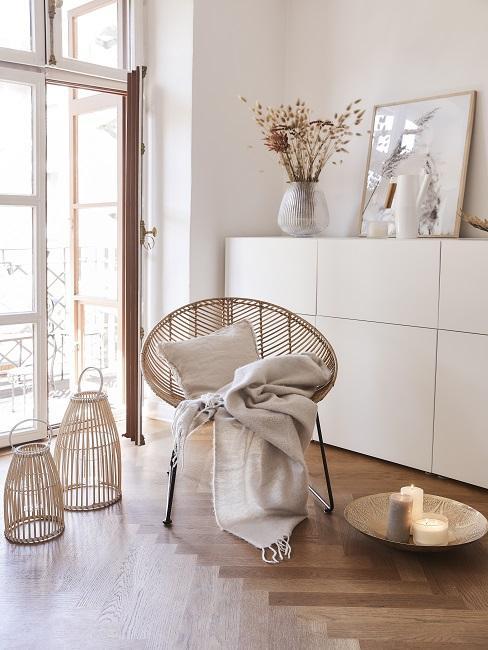Acapulco Chair mit Decke und Kissen im Scandi Style