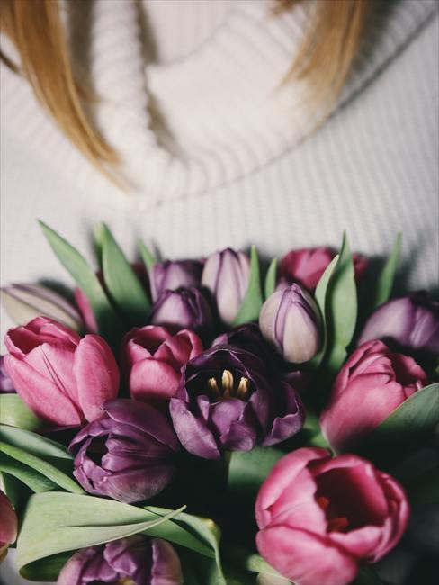bouquet de tulipes dans les tons roses
