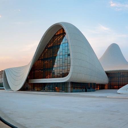 Zaha Hadid - La Gran Dama dell'architettura contemporanea