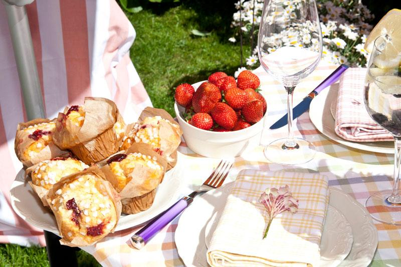 Gartenparty Sommer Muffins Erdbeeren