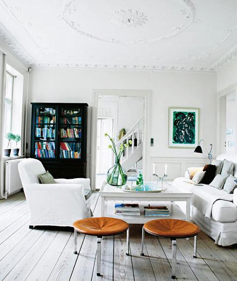Wohnzimmer in Weiß