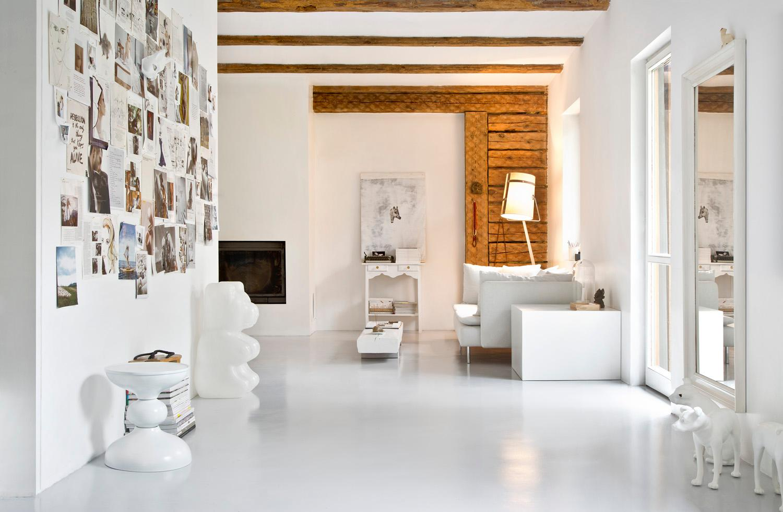 Joanna-Gwis-House-Fireplace
