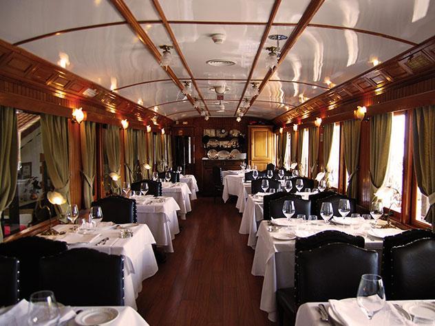 El restaurante ha rehabilitado dos auténticos vagones de tren de los años 30