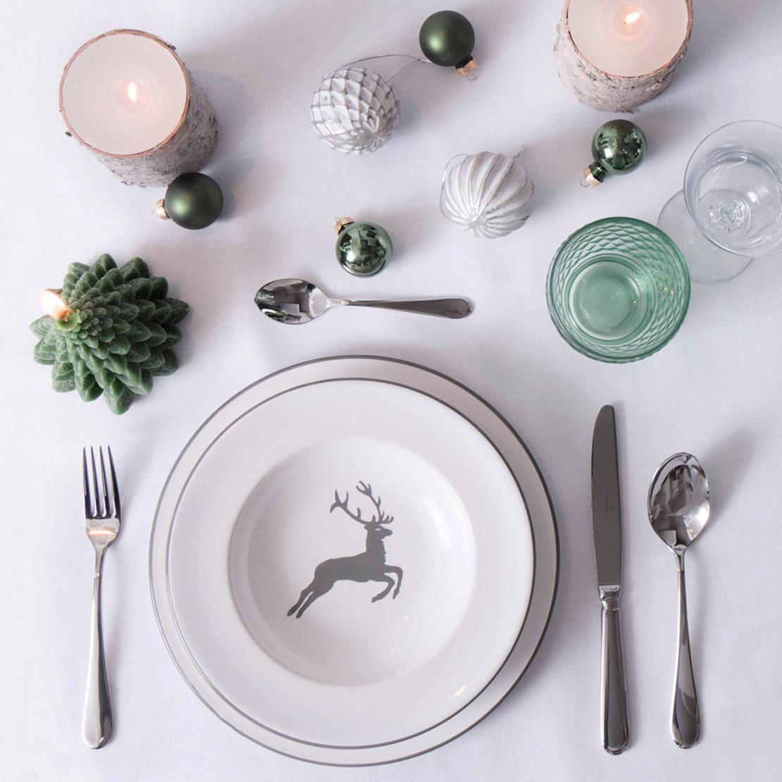 Decoración de mesas para fiestas en verde