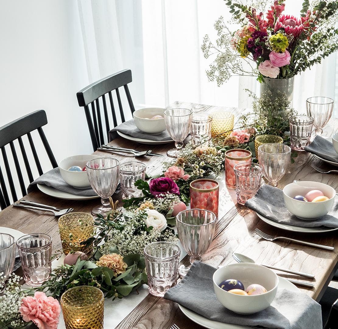 Idées déco Pâques table romantique bohème