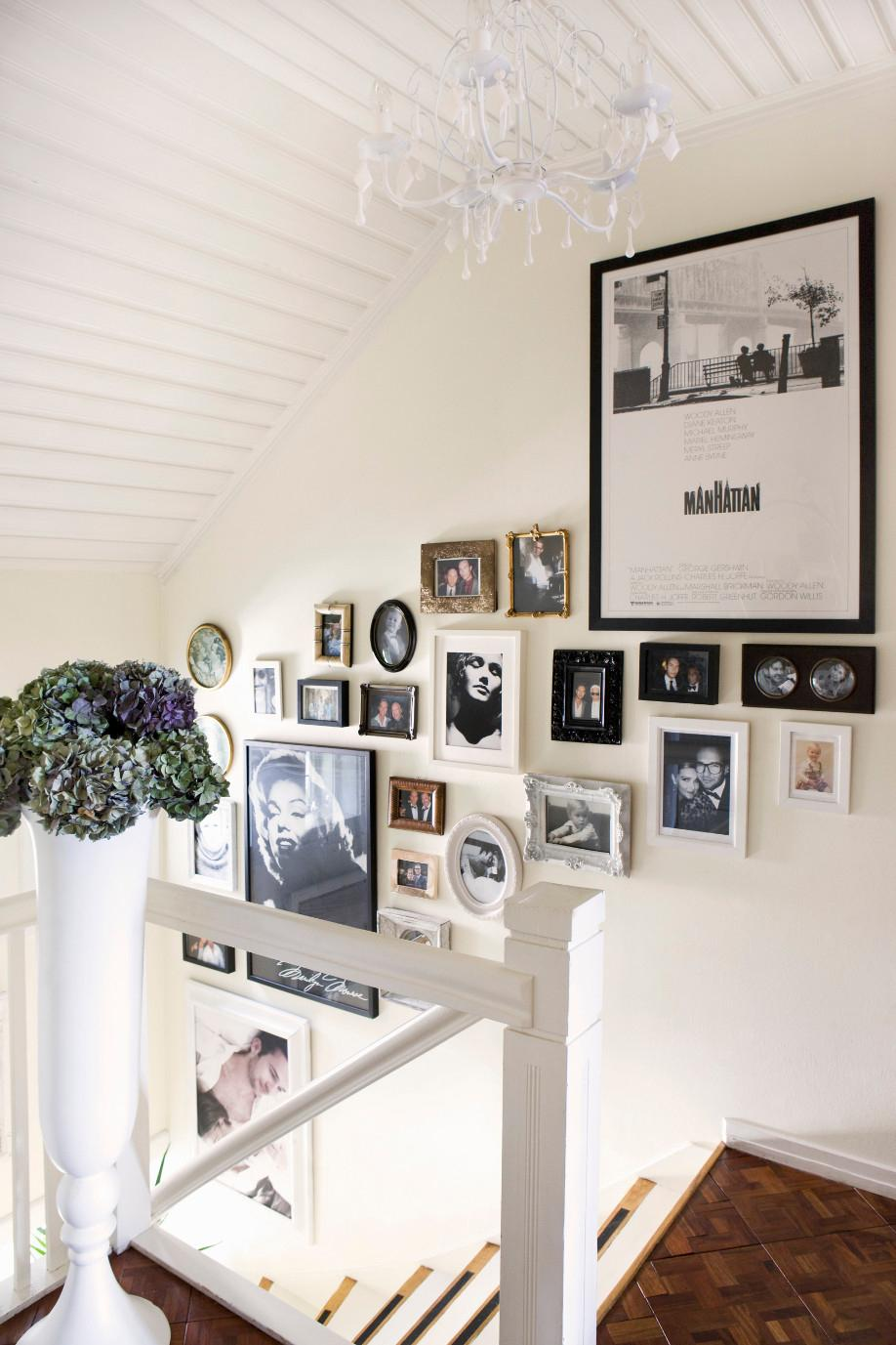 Appendere Quadri Su Scale una galleria d'arte in casa | westwing magazine