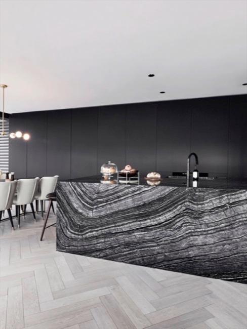 Cocina con muebles de acabado tipo mármol