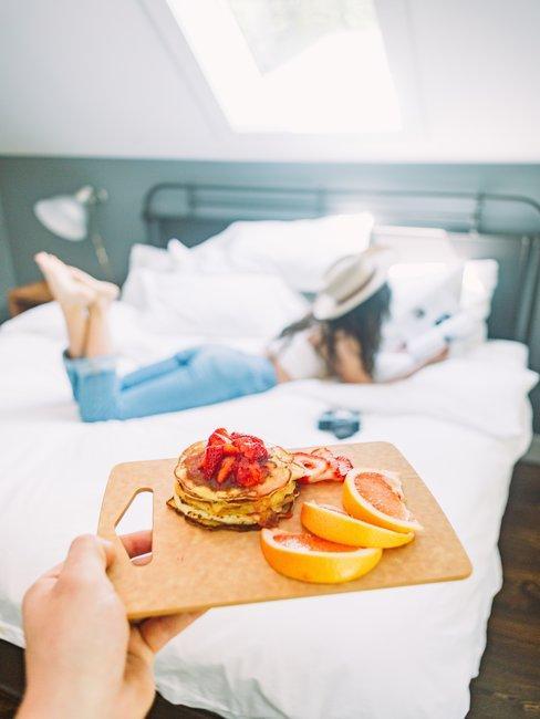 Onbijt naar het bed brengen
