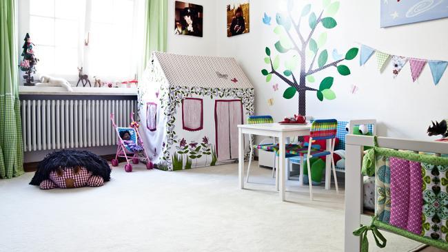 Babyzimmer einrichten mit Spielwiese