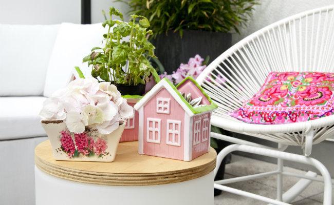 Ogród na balkonie i dekoracje