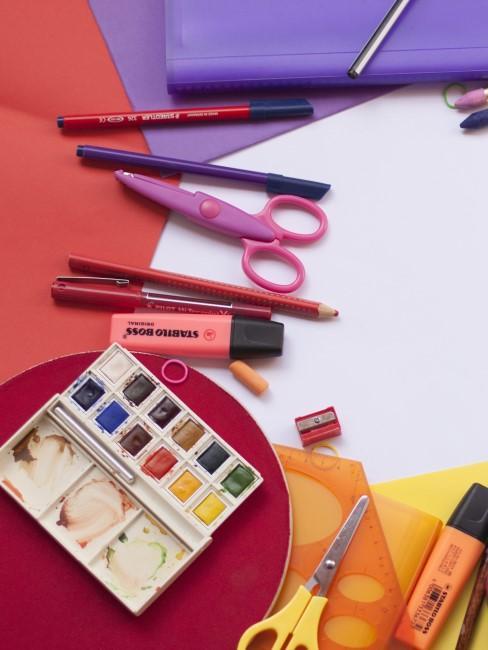 lapices y pinturas para actividades