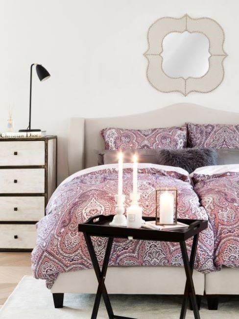 camera da letto colore viola chiaro