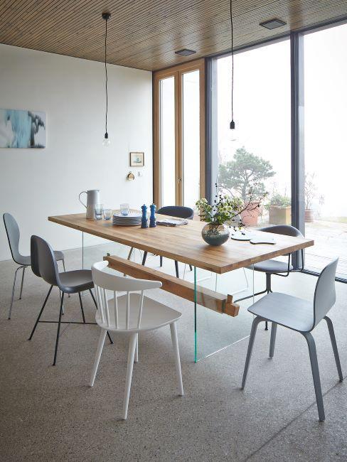 cucina open space con pavimento in cemento