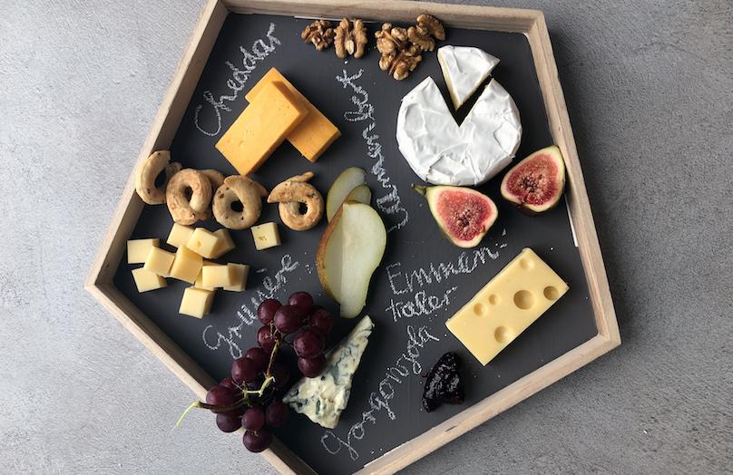 DIY: Crea una original bandeja para servir quesos