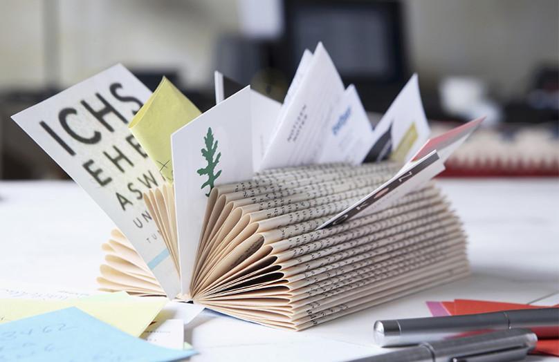 Regál s nápadem: dekorujte knihami