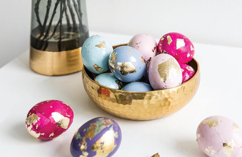 Glamy Easter: Ostereier mit Blattgold