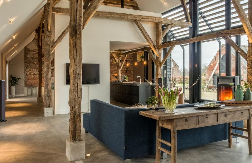 Drewniane inspiracje: aranżacja domu na wsi