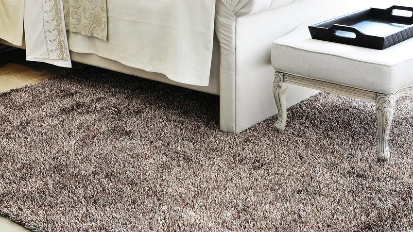 Chlupatý koberec