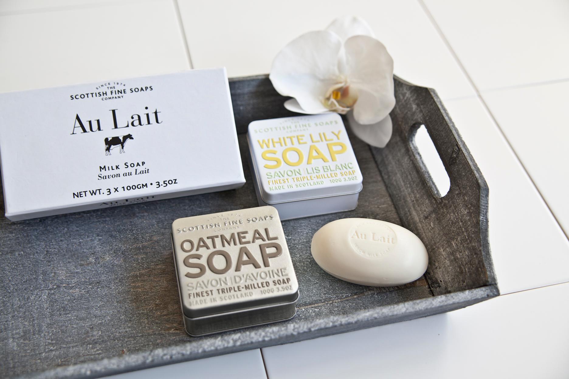 landelijke badkamer klassieke romantische accessoires zeep dienblad