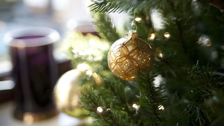Bruine kerstballen