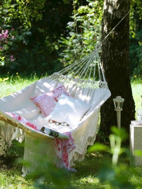 Witte hangmat voor in de tuin. Lekker cocoonen