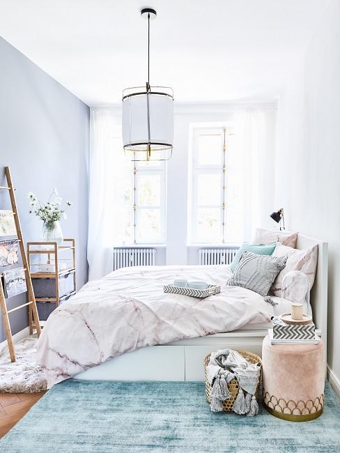 Schlafzimmer Farben Babyblau und Rosa