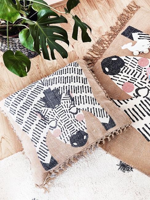 Kissen mit Zebra-Motiv