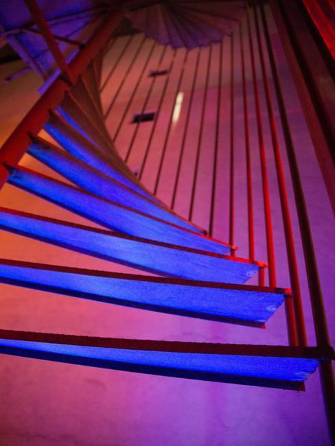 Escalera espiral de caracol de madera
