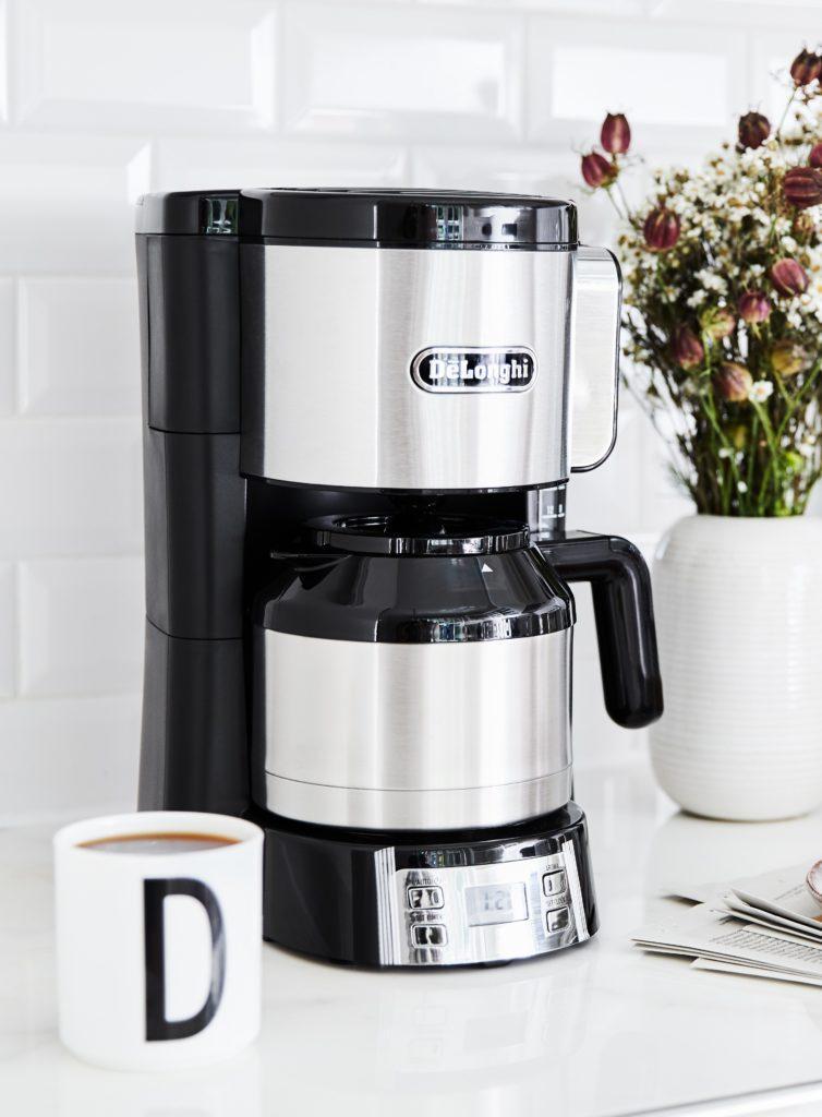 Filterkaffee Maschine mit Küchendeko