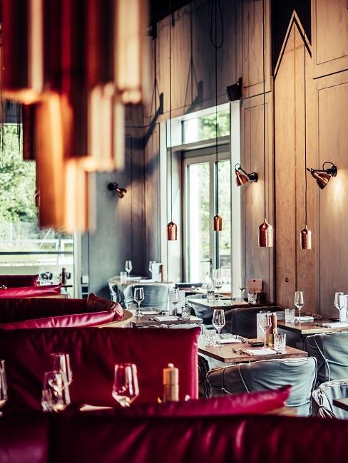 Restaurant La Bohème in Schwabingmit Lampen als Deko für den Essbereich