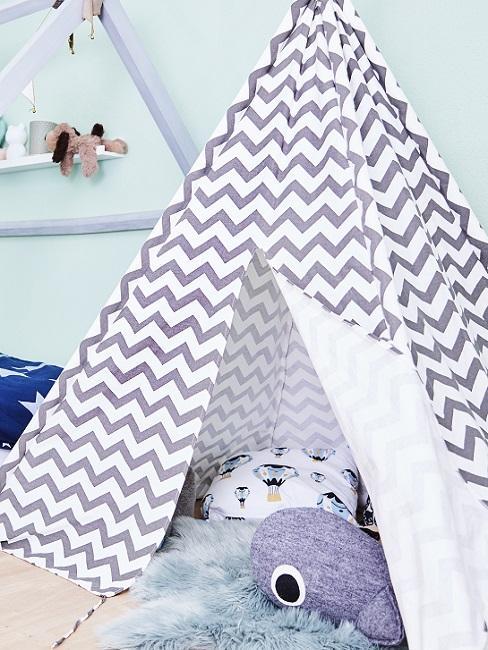 Design Kinderzimmer blaues Tipi mit Kissen