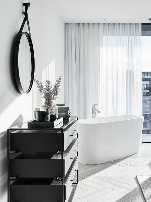 Designer Badezimmer mit freistehender Badewanne