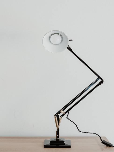 Lámpara flexible de oficina