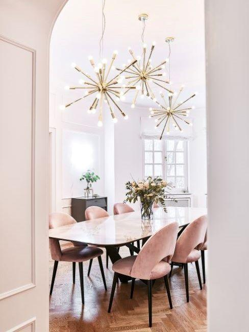 sala da pranzo in casa di lusso