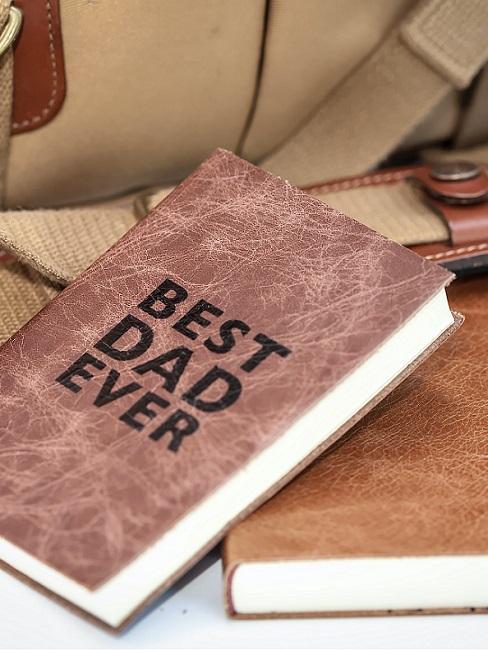 Gedicht vaderdag in notebook van leer