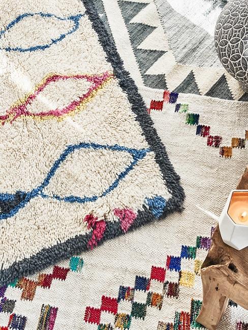 Ethno Style Teppiche in weiß mit bunten Mustern