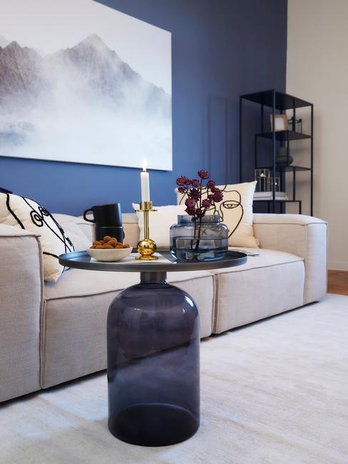 Biało niebieski salon