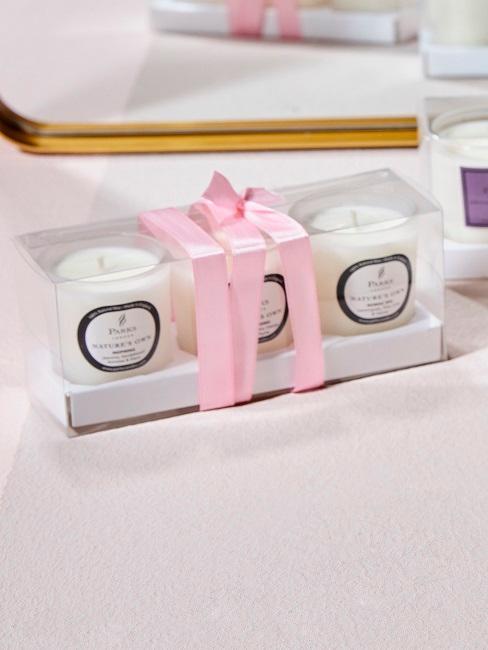 Parks London Duftkerzen in einer süßen Schachtel mit rosa Band